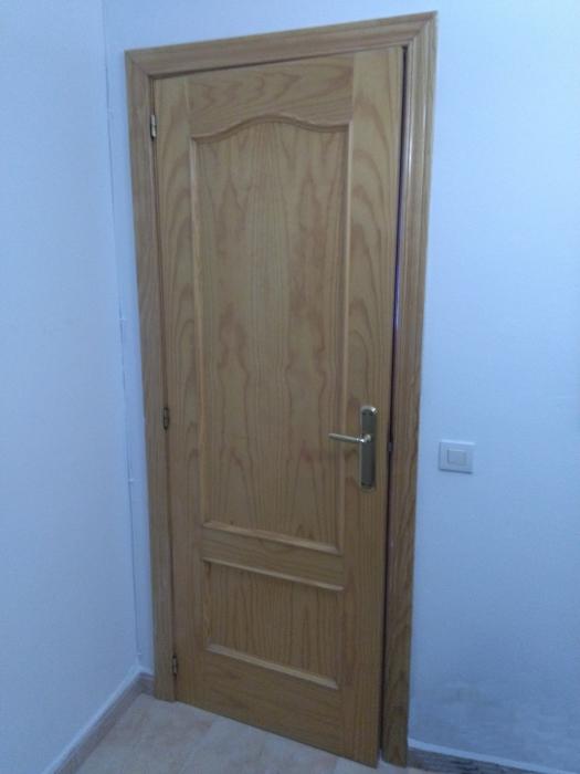 Puerta color pino en llucmajor anunciabalear - Puertas color pino ...